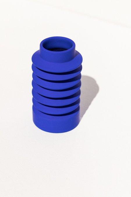 Severj Studio Zig Zag Vase - Klein Blue