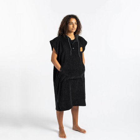 Slowtide The Digs Small Changing Poncho - Black