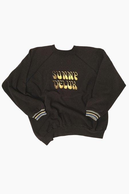 AqC Samy Sunny Deluxe #24 Sweatshirt