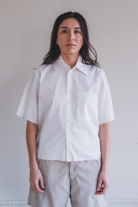 Camiel Fortgens BASIC COTTON WITH PEARLY BUTTONS SHORT SLEEVED CROPPED SHIRT - WHITE