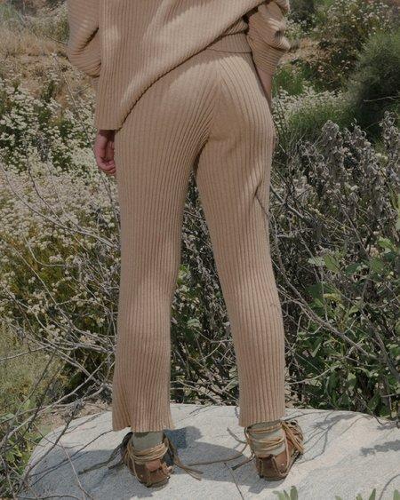 BASERANGE MARU CASHMERE PANTS - Camel