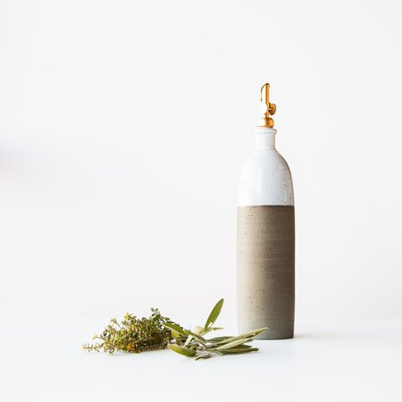 Atelier Trema Large Ceramic Oil Dispenser