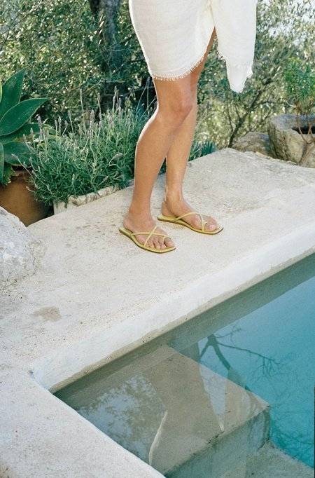 LOQ Cruz Sandals - Fava