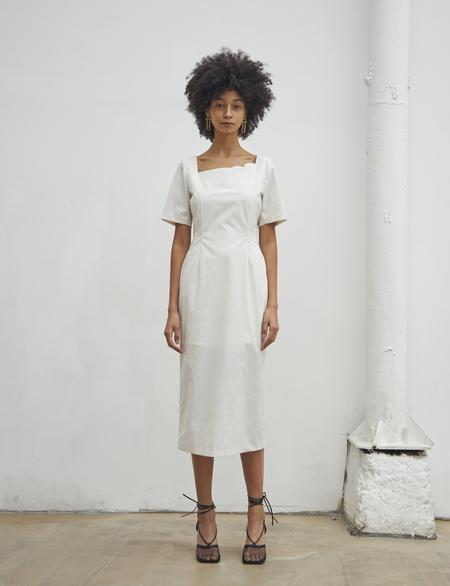 Maison De Ines SECOND HALF MOON NECK DRESS - white