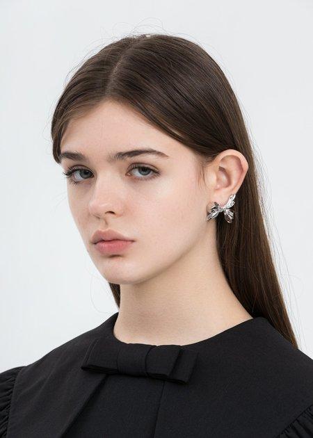 Shushu/Tong Wrinkle Bow Earring - Silver