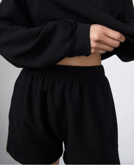 Wol Hide easy shorts