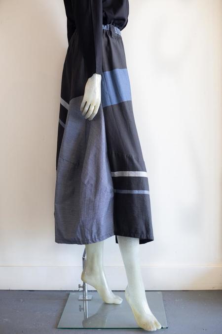 Moyuru Plaid Midi Skirt