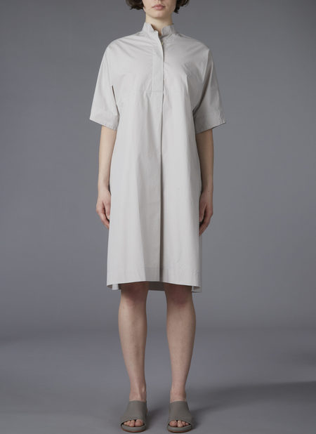 GREI. BANDED COLLAR SHIRT DRESS - FOG