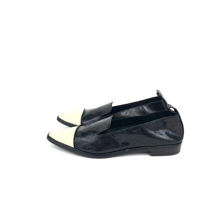 U. No. 5 ST Tip Pointed shies - Beige/Black