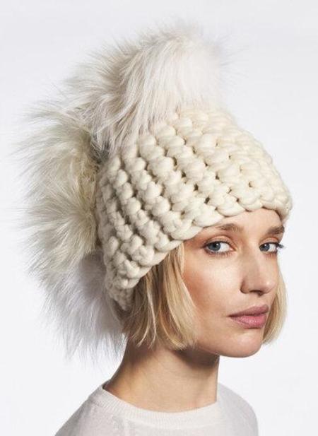 Mischa Lampert  XL poms beanies - white pohawk/arctic white
