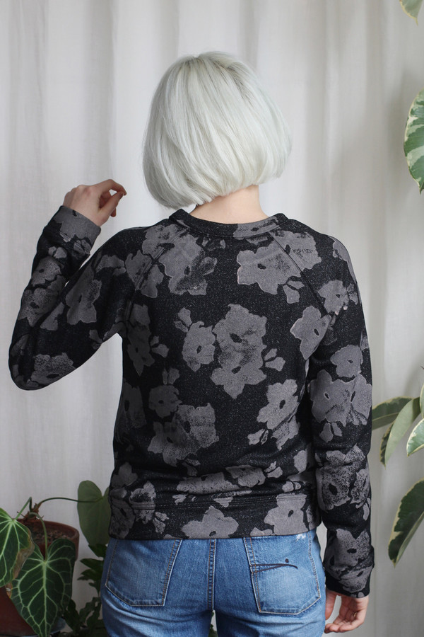 Calder Blake Eleanor Sweatshirt in Lily Print
