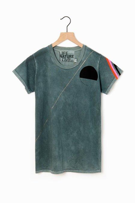 Unisex FREECITY Sign Golden Strikes T-Shirt
