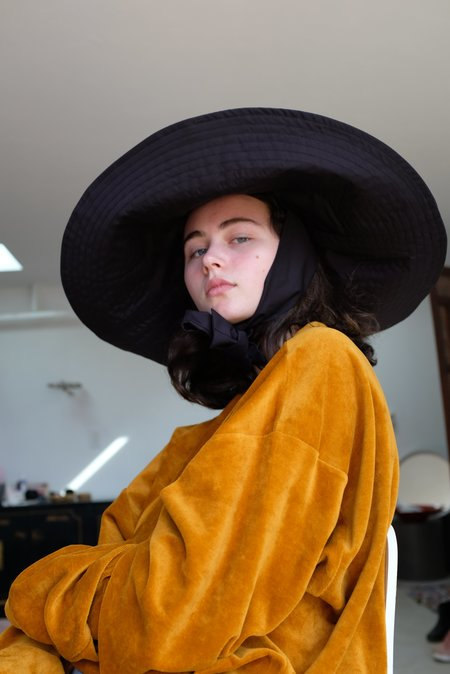 Beklina Voluminoso Tie Hat - Black