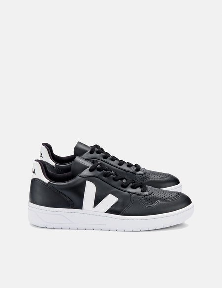 Veja V-10 Leather Trainers - Black/White