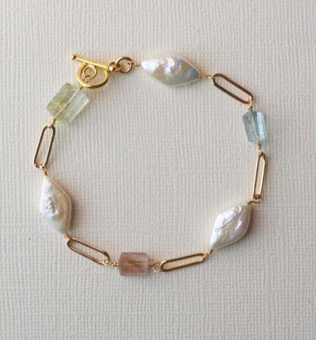 Gem & Blue Candy Pearl Bracelet - Gold
