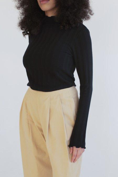 Vincetta Long Sleeve Mock Neck Sweater in Rib Knit - Black