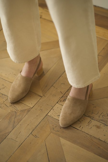 Anne Thomas Williamsburg Softy shoes - Tabacco