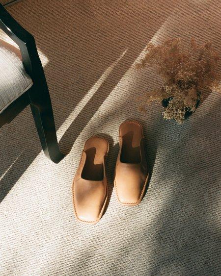 LOQ Descansa House Slides - Miel