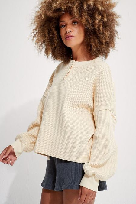 back beat rags Organic Cotton Henley Waffle Pullover - Creme