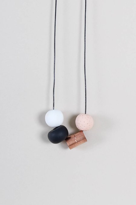 Peppertrain Andy Necklace - Black/White