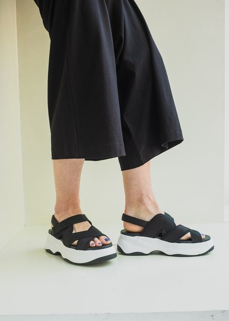 Vagabond Essy Sandal - Black Textile