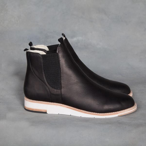 Matt Bernson Infinity Black Leather Cream Shearling Boot