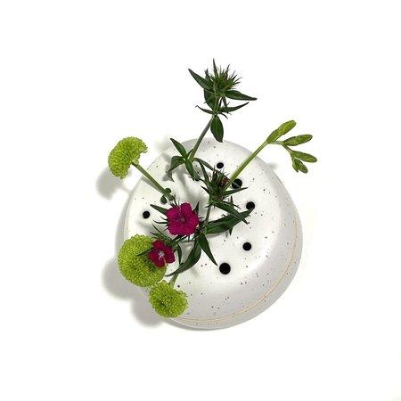 Allison Skinner Lidded Ikebana Vase - White Speckled