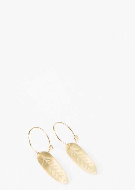 5 Octobre Clam Feather Earrings