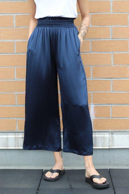 Athena Newton Silk Charmeuse Wide Leg Cropped Pants - Navy