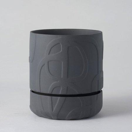 Angus & Celeste Relief Plant Pot - Line Thick Charcoal