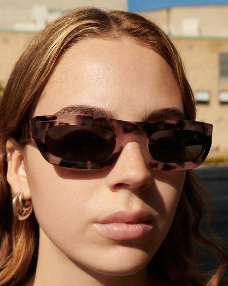 Unisex Sun Buddies Serena Sunglasses - Pink Tortoise