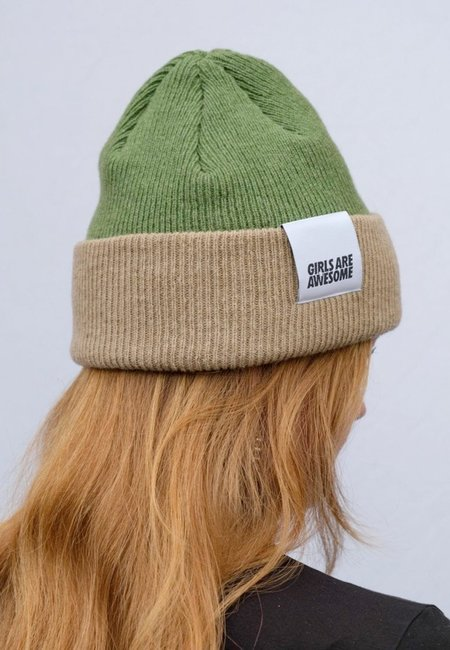GIRLS ARE AWESOME Double Drip Beanie - pea/dirt