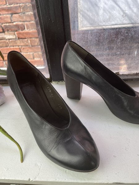 [Pre-loved] Coclico Leather Block Heel - Black