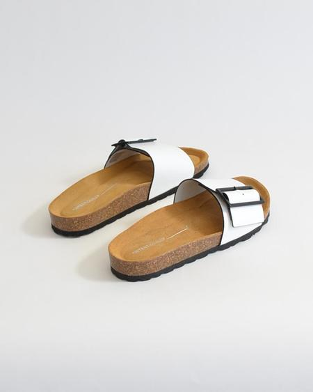 Vamp Shoes Intentionally Blank Claire sandals - White