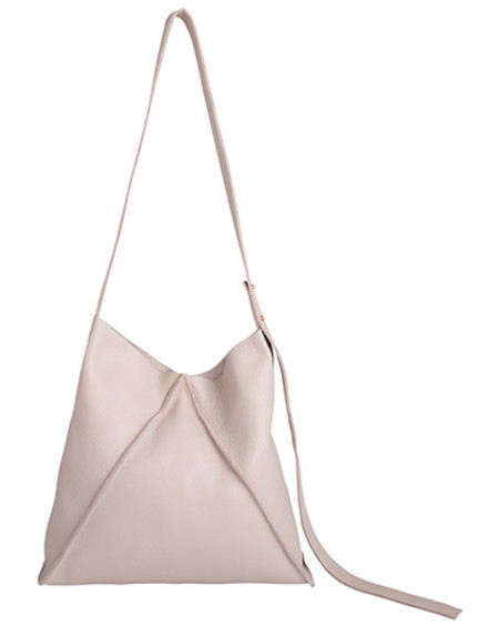 Oliveve jasper shoulder bag in buff pebbled leather