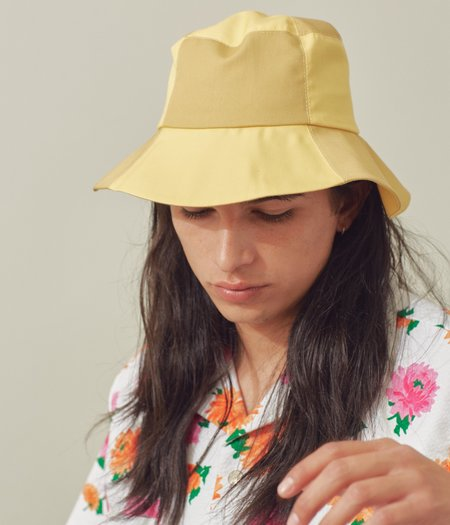 Clyde Classic 2 Tone Bucket Hat - Sorbet/Sand