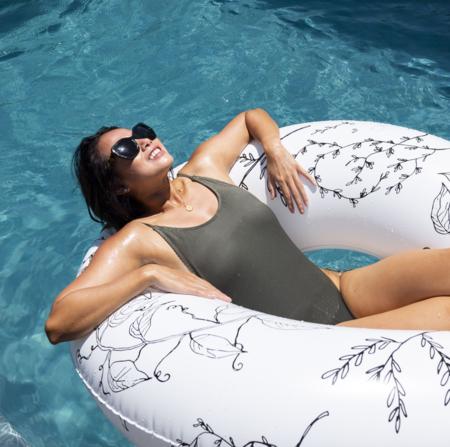 And Sunday Spring Oversized Pool Tube - white