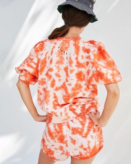 Clare V. Tie-Dye Puff Sleeve Sweatshirt - Blood Orange