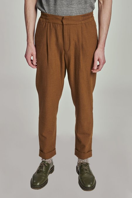 Delikatessen AW 20/21 Relaxed THE FINEST SUBALPINO WINTER SEERSUCKER trousers - brown
