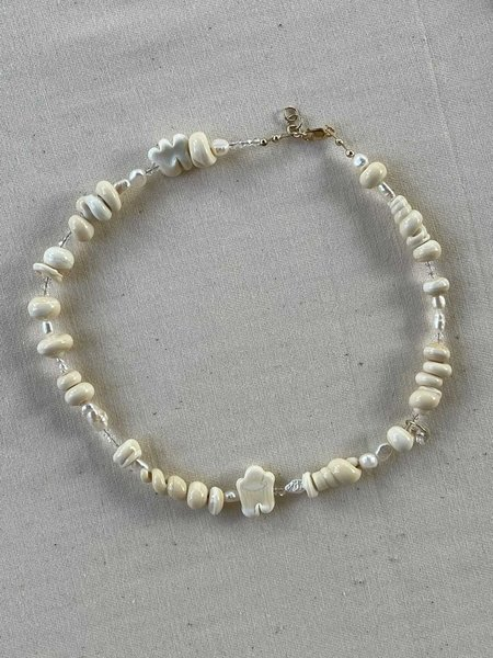 Ease Pearl Glass Bead Necklace - Cream