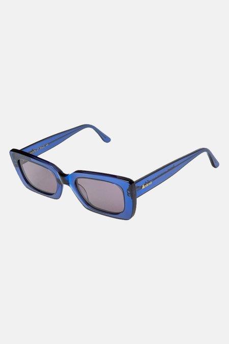 Illesteva Wilson Sunglasses W/ Grey Flat Lense - Cobalt
