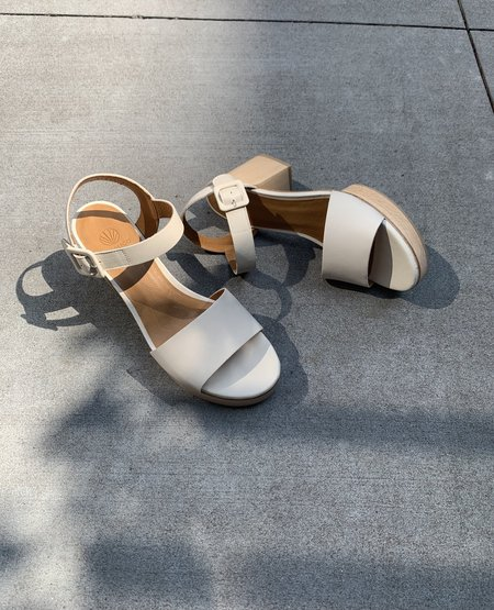 Coclico Riviera Clog - Greige Leather