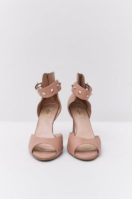 PRE-LOVED Valentino Rockstud Peep Toe Buckled Pumps - Nude