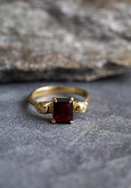 Margaret Cross Skulls Ring - 10K Yellow Gold/garnet