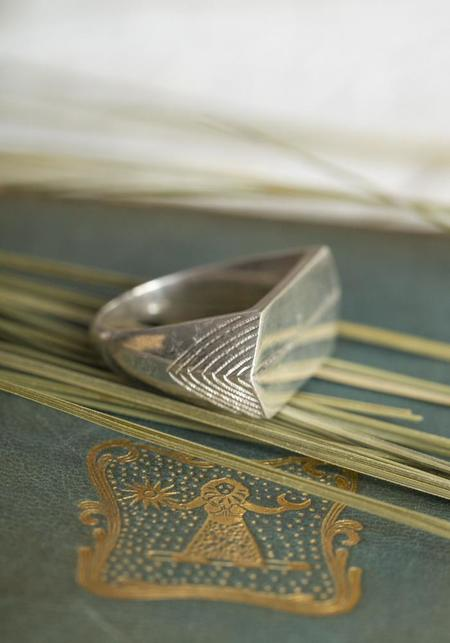 Ombre Claire Georges Ring - Sterling Silver