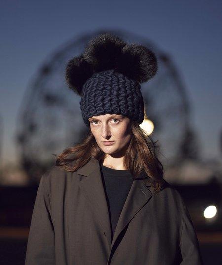 Mischa Lampert XL poms crown beanies - Black/Navy