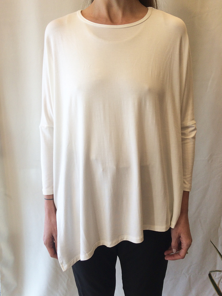 Ayrtight asymmetrical top