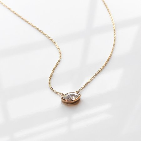 Thatch Iris Necklace - 14k gold