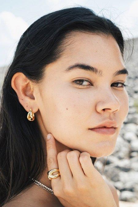 S_S.IL TWIST BOLD EARRINGS - GOLD