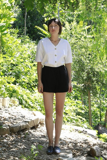 Me & Arrow Linen Blend Shorts